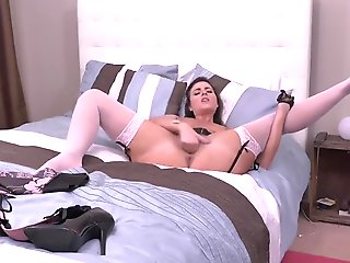 fingering, brunette, masturbation, mature, straight,